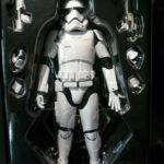 StarWars collection : Star Wars First Order Stormtrooper Réveil Force awaken Hot Toys 1/6 30cm 12inch