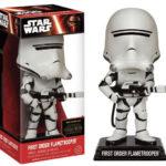 StarWars figurine : Star Wars VII The Force Awakens First Order Flametrooper Wacky Wobler Figure