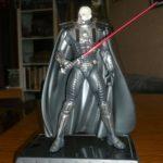 Figurine StarWars : Figurine Star Wars de Dark Vador 21Cm sur sont socle (Darth Malgus Statue)