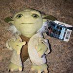 "StarWars figurine : Star Wars Talking Yoda Plush Figurine Doll Hairy Dressed 6"""