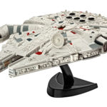 StarWars figurine : STAR WARS 7 FIGURINE MILLENNIUM FALCON MODEL KIT 1/241 VAISSEAU SPATIAL 10CM HAN