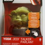 StarWars collection : Figurine Star Wars Yoda Jedi Talker parlant Facial Movements figure neuf Disney