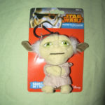 StarWars figurine : /// PELUCHE STAR WARS TALKING CLIP-ON MAITRE YODA PORTE CLEF PARLANT DISNEY NEUF