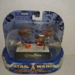StarWars collection : Star Wars Holiday Edition Yoda Figurine Set 2nd Edition