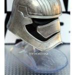 StarWars collection : Star Wars Black Series Titanium Captain Phasma Helmet Hasbro
