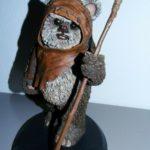 StarWars collection : Figurine collection résine Star Wars Wicket Warrick Attakus 1/5 2005 certificat