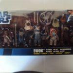 StarWars figurine : STAR WARS PACK ENDOR : FLITCHEE / MANTA / TEEBO / KNEESAA / TIPPET) 2012 HASBRO